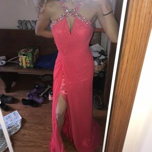 Gorgeous coral prom dress❤️